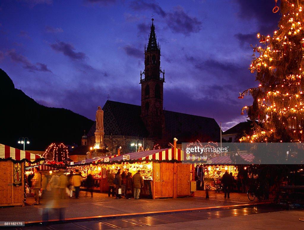 Mercatini Di Natale Bolzano Piazza Walther.Italy Italia Alto Adige South Tyrol Bolzano Piazza