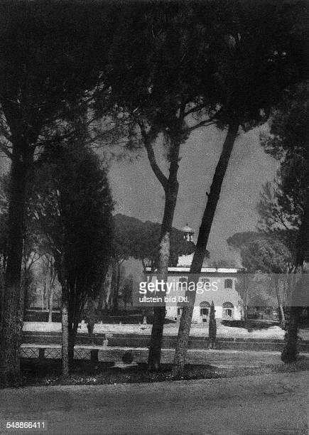 Italy Lazio Roma park of the villa 'Borghese' 1937 Photographer Franz Fiedler Vintage property of ullstein bild