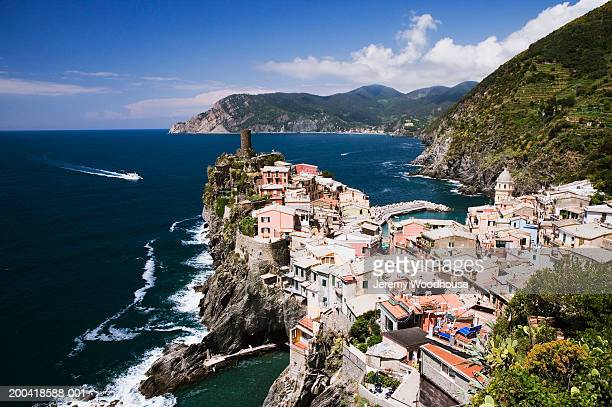 italy, liguria, vernazza, view from cinque terre trail - jeremy woodhouse stock photos and pictures