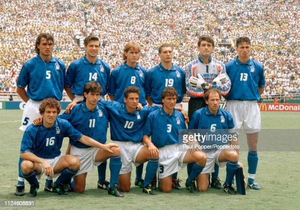 Italy line up for a group photo before the 1994 FIFA World Cup Final between Brazil and Italy at the Rose Bowl on July 17 1994 in Pasadena United...
