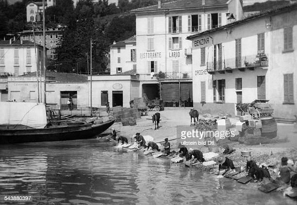 Italy Lombardia Como doing the laundry in lake como in Menaggio Photographer Max Ehlert undatedVintage property of ullstein bild
