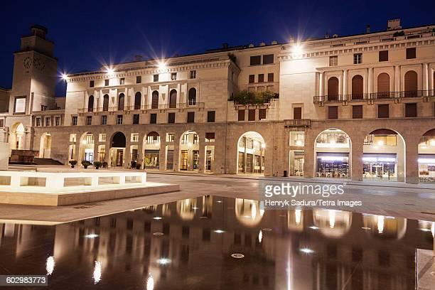 Italy, Lombardy, Brescia, Piazza della Victoria at night
