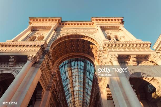 italy, lombardy, milan, galleria vittorio emanuele ii - bovenste deel stockfoto's en -beelden