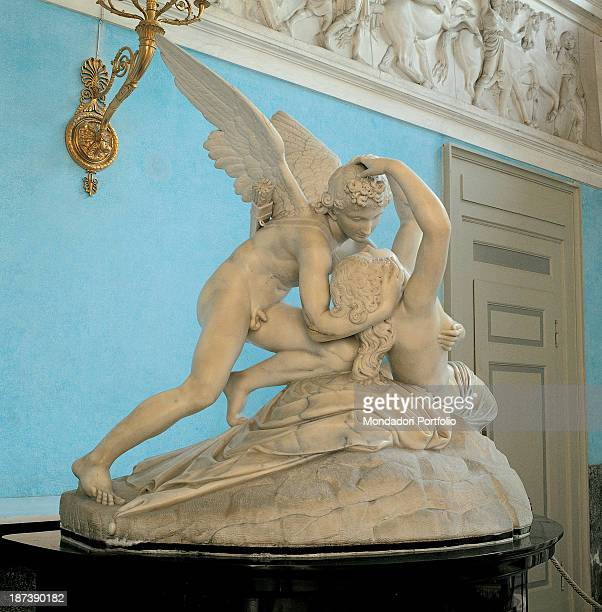 Italy Lombardy Tremezzo Villa Carlotta All A foreshortening view of the two marble figures of Cupid embracing the Psyche The pure whiteness of the...