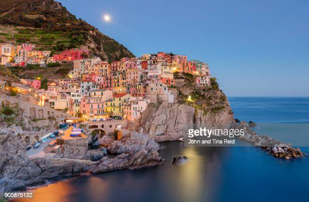 italy - manarola twilight - cinque terre stock pictures, royalty-free photos & images