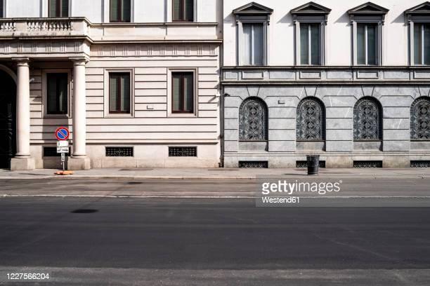 italy, milan, corso venezia street during covid-19 outbreak - street foto e immagini stock