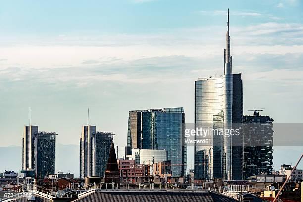 italy, milan, view to modern skyscrapers - milano foto e immagini stock
