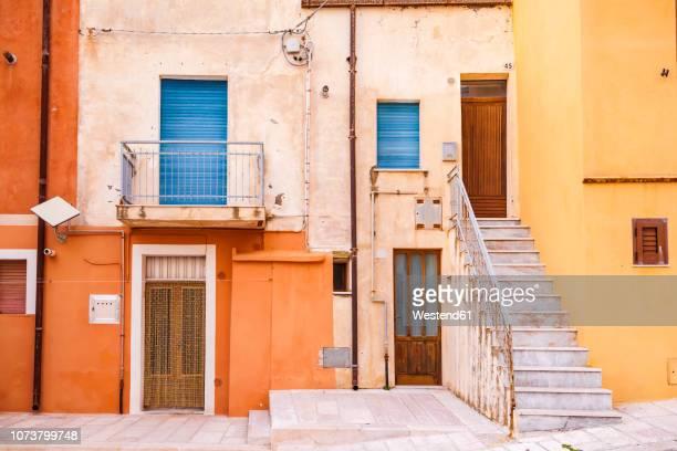 italy, molise, termoli, old town, houses - molise foto e immagini stock
