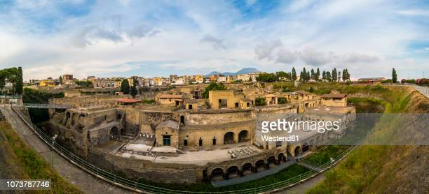 italy, naples, ercolano, herculaneum excavation site - ヘルクラネウム遺跡 ストックフォトと画像