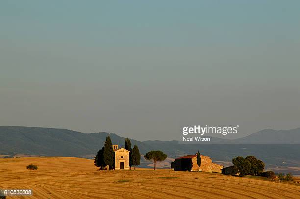 italy - capella di vitaleta stock pictures, royalty-free photos & images