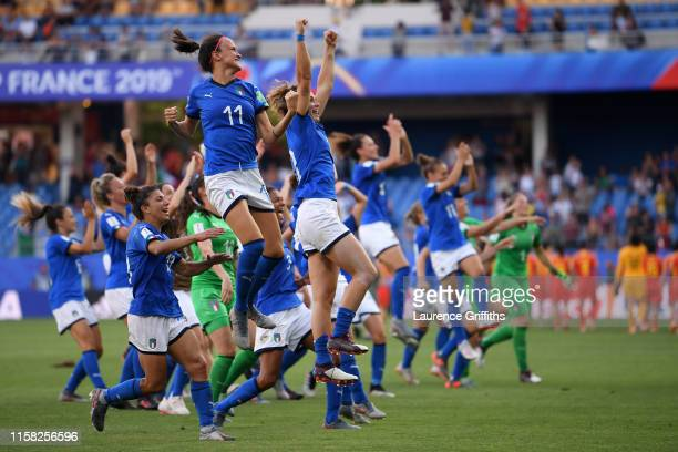 Italy players celebrate following their sides victory in the 2019 FIFA Women's World Cup France Round Of 16 match between Italy and China at Stade de...