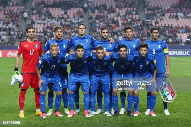 Italy players pose for a team photo prior to the FIFA U20 World Cup Korea Republic 2017 Semi Final match between Italy and England at Jeonju World...