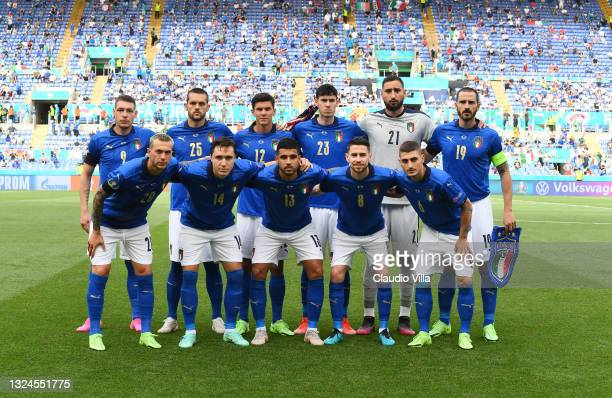 Italy players pose for a team photo prior to the UEFA Euro 2020 Championship Group A match between Italy and Wales at Olimpico Stadium on June 20,...