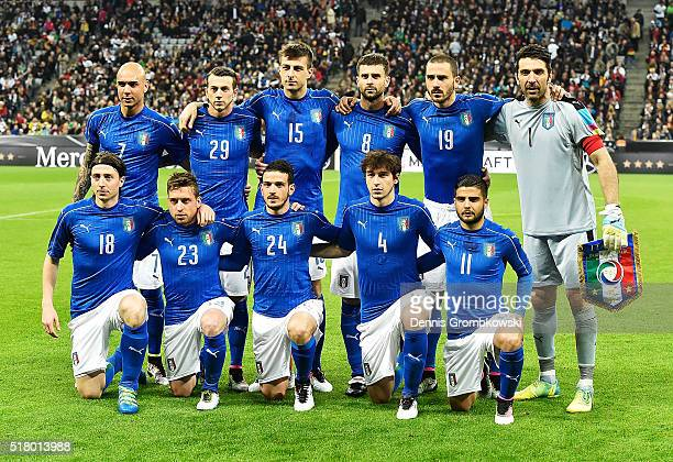 Italy pose for a team picture before the International Friendly match between Germany and Italy at Allianz Arena on March 29 2016 in Munich Germany