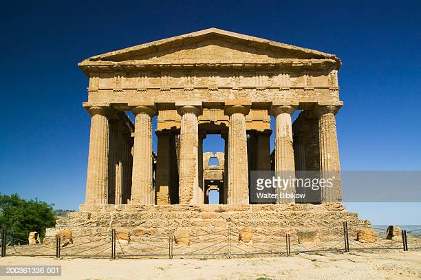 italy, sicily, agrigento, valley of temples, temple of concordia - agrigento stock pictures, royalty-free photos & images