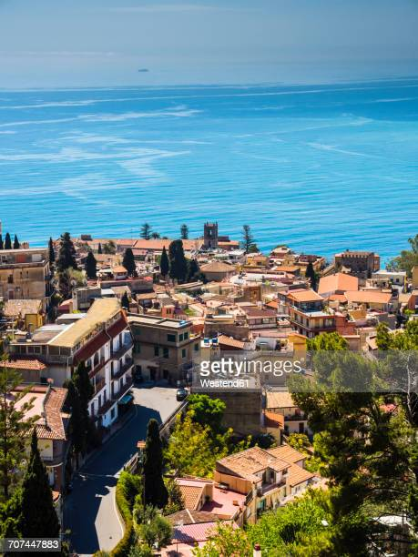 Italy, Sicily, Castelmola, view above Taormina to the bay of Giardini Naxos