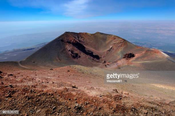 italy, sicily, mount etna, volcanic crater, lava fields - mt etna stock pictures, royalty-free photos & images
