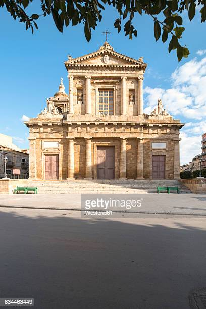 italy, sicily, province of caltanissetta, gela, church chiesa madre - province of caltanissetta stock photos and pictures