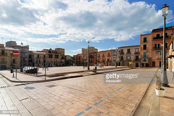 italy, sicily, province of caltanissetta, gela, old town, piazza san francesco - province of caltanissetta stock photos and pictures