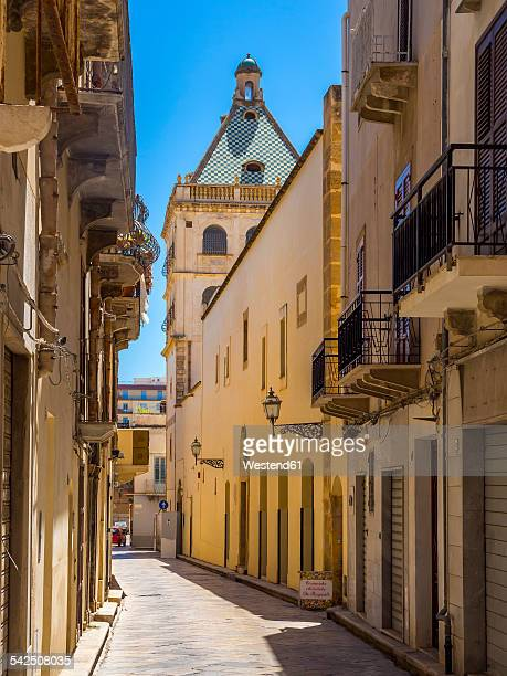 italy, sicily, province of trapani, marsala, via andrea d'anna, museum - marsala sicily stock pictures, royalty-free photos & images