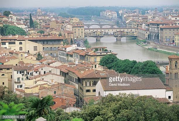 Italy, Tuscany, Florence, Arno River, Ponte Vecchio and cityscape