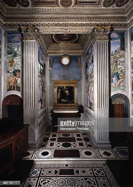 Italy, Tuscany, Florence, Medici Riccardi Palace. Whole arwork view. View of the chapel after the restoration with a copy of the altarpiece...