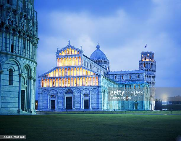Italy, Tuscany, Pisa, Leaning Tower and Cathedral illuminated at dusk