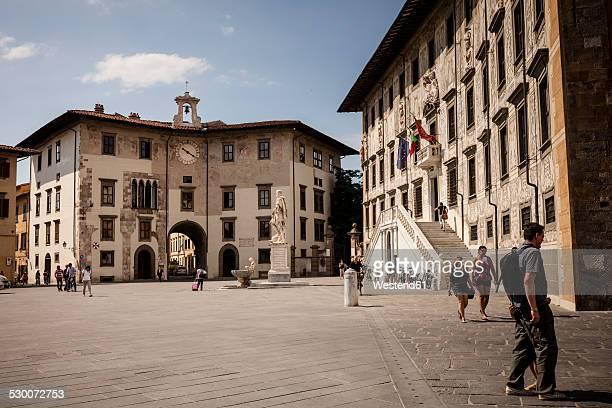 italy, tuscany, pisa, palazzo dell'orologio and palazzo della carovana on knights' square - piazza foto e immagini stock