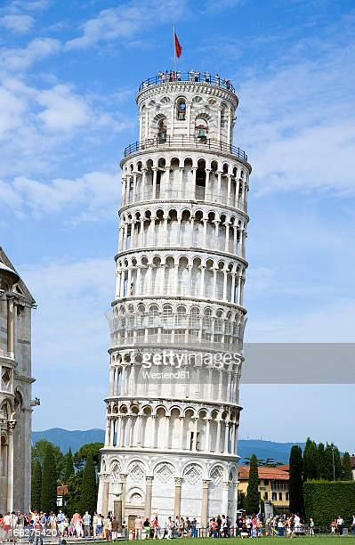 italy, tuscany, pisa, piazza dei miracoli, square of miracles, leaning tower - leaning tower of pisa stock photos and pictures