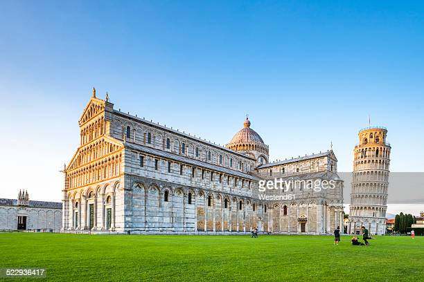 Italy, Tuscany, Pisa, View to Cathedral and Leaning Tower of Pisa at Piazza dei Miracoli