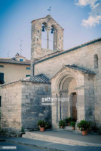 italy, tuscany, san quirico d'orcia, bell tower - san quirico d'orcia stock pictures, royalty-free photos & images