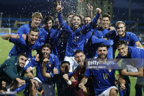 Italy U21 players celebrates the victory after the UEFA Euro Under 21 Qualifier match between Italy U21 and Ireland U21 at Arena Garibaldi on October...