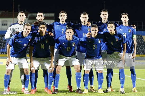 Italy U21 pose during the UEFA Euro Under 21 Qualifier match between Italy U21 and Sweden U21 at Arena Garibaldi on November 18, 2020 in Pisa, Italy.