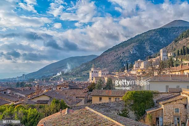italy, umbria, gubbio, palazzo dei consoli - gubbio stock pictures, royalty-free photos & images