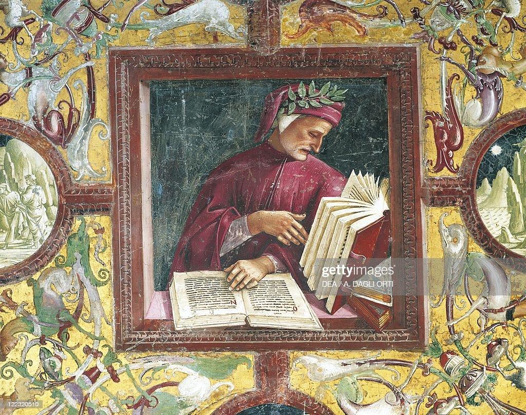 Italy, Umbria Region, Orvieto, Cathedral, Chapel of the Madonna di San Brizio, portrait of Dante Alighieri by Luca Signorelli, fresco : News Photo