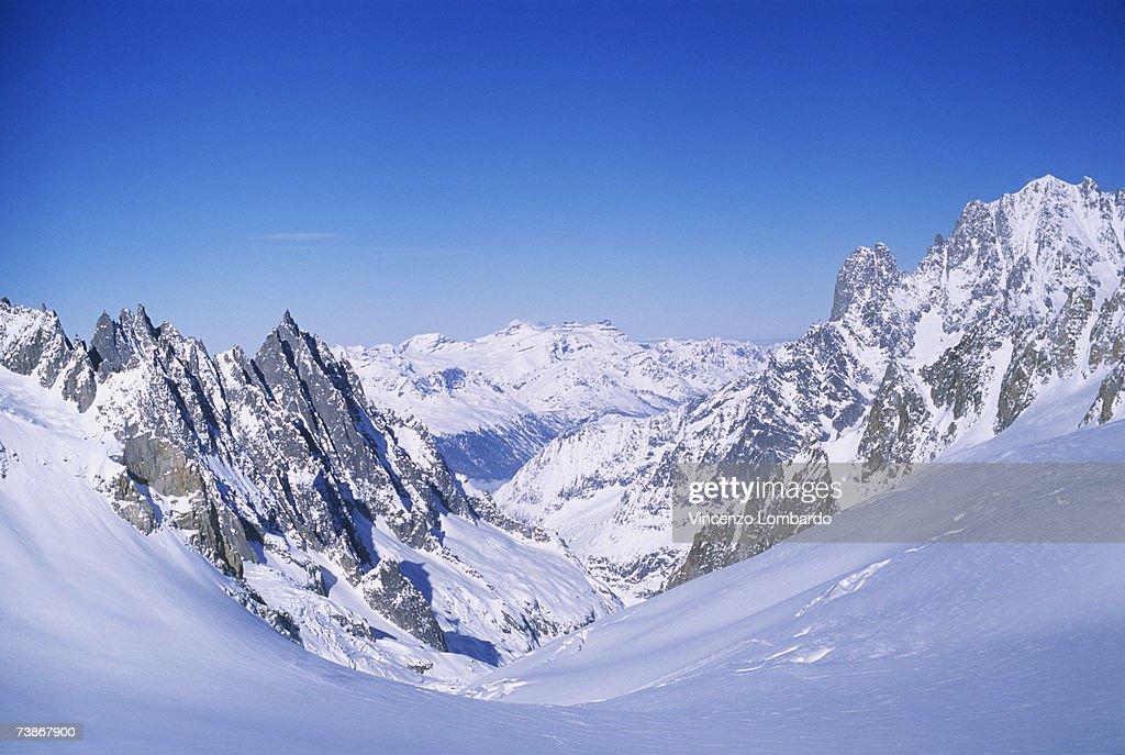 Italy, Valle D'Aosta, Courmayeur, Mont Blanc : Stock-Foto