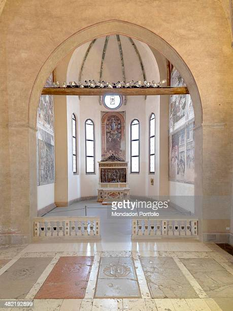 Italy Veneto Padua Church of Eremitans Whole artwork view Whole view of the chapel with stories from Saint Christopher by Mantegna and the altarpiece...