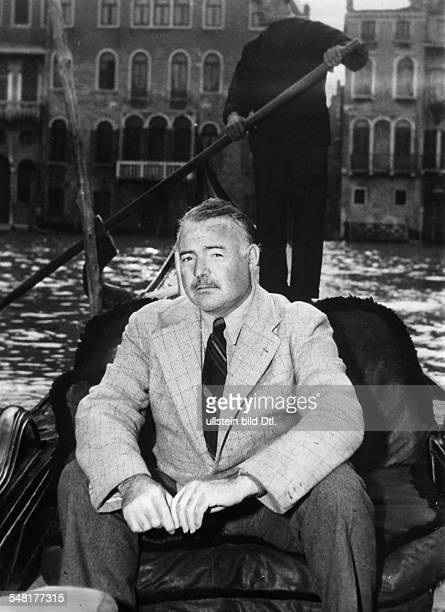Italy Veneto Venezia : Hemingway, Ernest *21.07.1899-+ Writer, USA Winner of the nobel prize for literature 1954 - in a gondola in Venice - 1948 -...