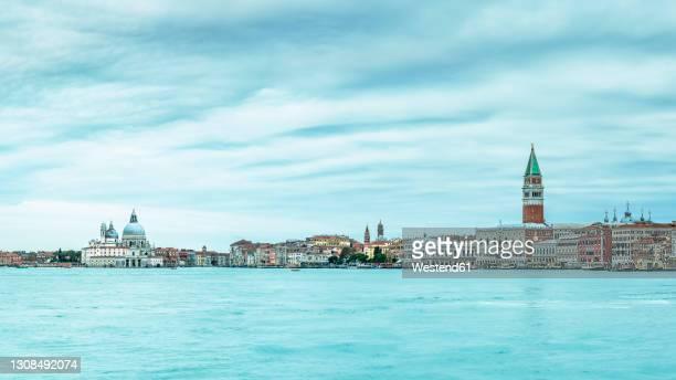 italy, veneto, venice, panoramic view of punta della dogana area - プンタデラドガーナ ストックフォトと画像