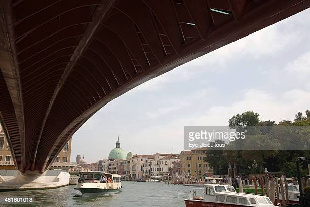 Italy Veneto Venice Ponte di Calatrava Bridge Fourth bridge across the Grand Canal linking the train station and Piazzale by Spanish architect...