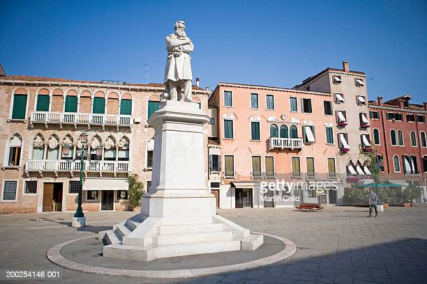 italy, venice, campo santo stefano, statue of nicolo tommaseo - nicolo campo stock pictures, royalty-free photos & images