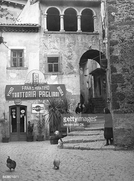 Italy, views of... : Scanno Trattoria in an old Borgo.about 1958
