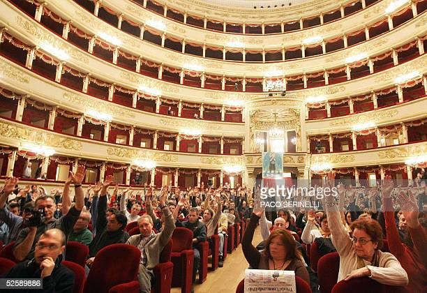 Workers of La Scala Opera House in Milan vote a motion during their general strike against musical director Italian Maestro Riccardo Muti and the...