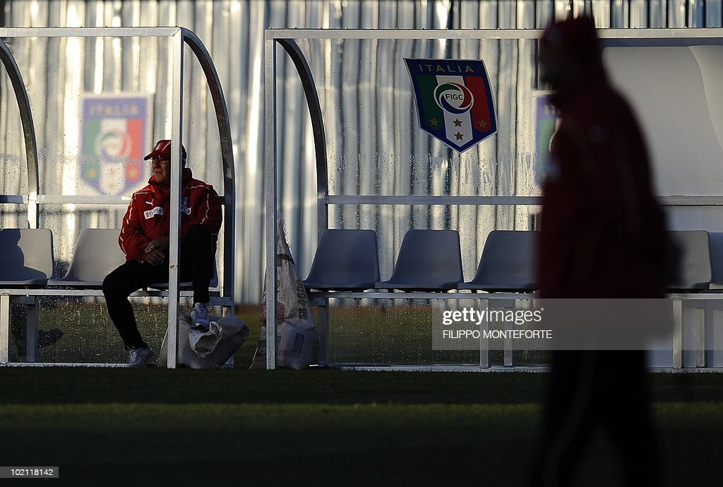 Italy's coach Marcello Lippi watches his team train at Irene's Southdowns College, south of Pretoria on June 15, 2010. The 2010 World Cup hosted by South Africa continues through July 11. AFP PHOTO/Filippo MONTEFORTE