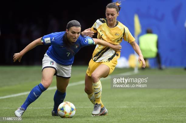 TOPSHOT Italy's defender Alia Guagni vies with Australia's forward Hayley Raso during the France 2019 Women's World Cup Group C football match...