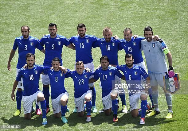 Italy's defender Giorgio Chiellini Italy's forward Pelle Italy's defender Andrea Barzagli Italy's midfielder Daniele De Rossi Italy's defender...