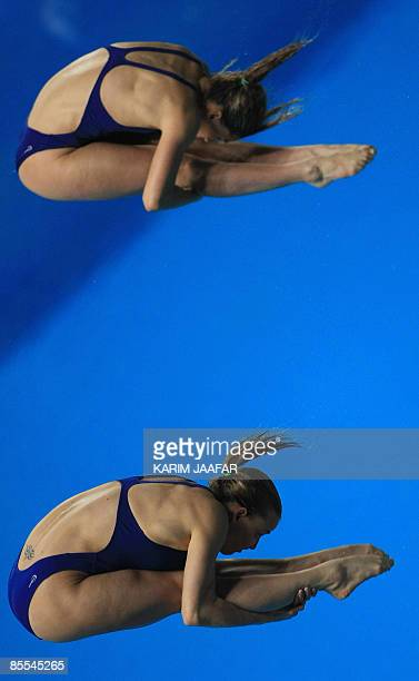 Italy's Francesca Dallape and Tania Cagnotto compete in the women's 3m springboard synchronised diving final during the FINA Diving World Series 2009...