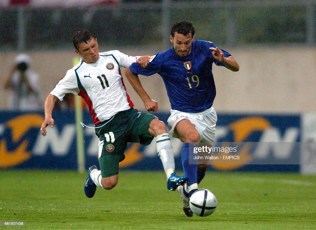 Soccer - UEFA European Championship 2004 - Group C - Italy v Bulgaria : News Photo