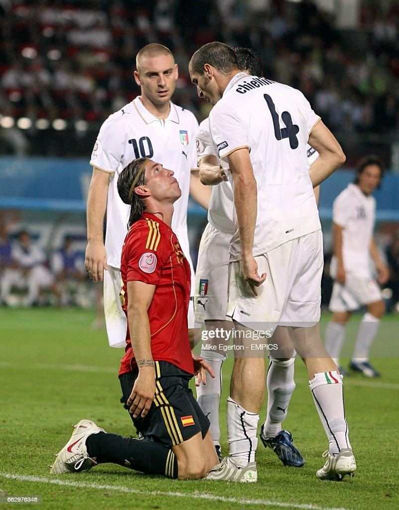 Soccer - UEFA European Championship 2008 - Quarter Final - Spain v Italy - Ernst Happel Stadium : Foto di attualità