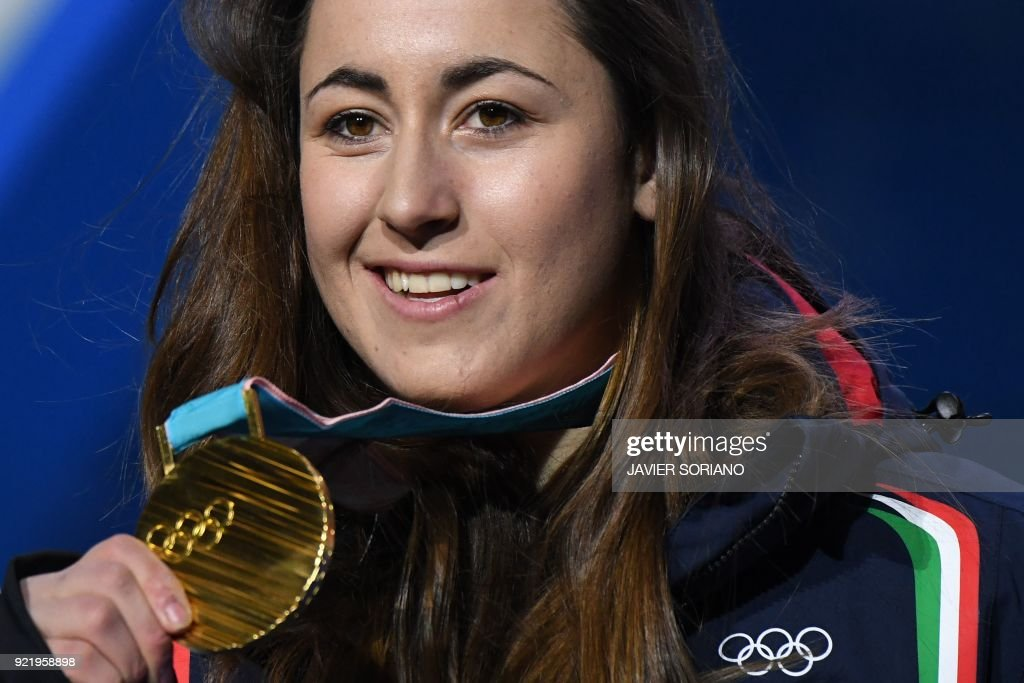 TOPSHOT-ALPINE SKIING-OLY-2018-PYEONGCHANG-MEDALS : News Photo
